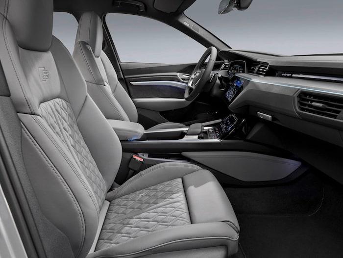 """Interiören är väldigt lik den """"vanliga"""" Audi e-tron."""