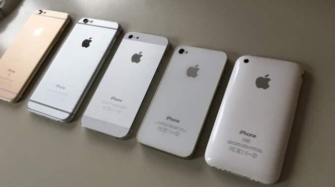Astrit Morina samlar på alla Iphone-modeller. Foto: Privat