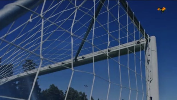 Välkänd fotbollsprofil häktad för våldtäkt