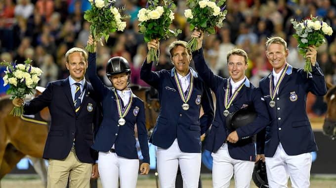 Sverige vann silver i laghoppning, men Göteborgarna förlorade 55 miljoner kronor. Foto: MATHIAS BERGELD / BILDBYRÅN