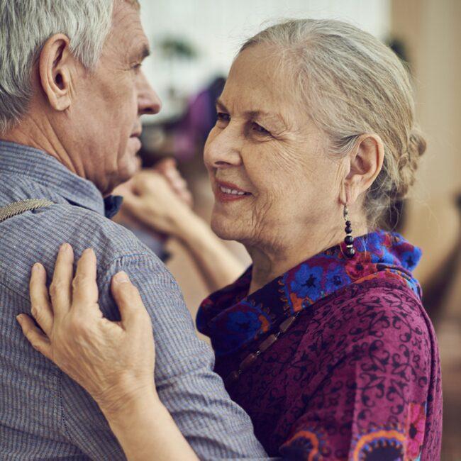 Ung som gammal. Alla mår bra av att dansa.