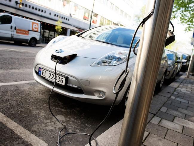 I Norge är laddnätet för elbilar mer utbyggt än i Sverige.