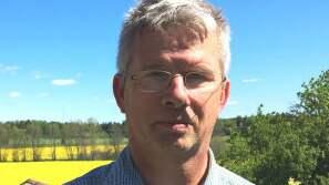 Per Pettersson, LRF-bas i Mälardalen, är kritisk till länsstyrelsens beslut att inte tillåta skyddsjakt på vargarna. Foto: LRF