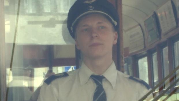 Följ med på Spårvagns-Carl Henriks första arbetspass