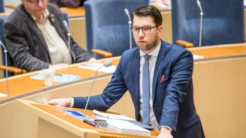 SD-ledaren Jimmie Åkesson har oroat sig för de anmälningar av utländska mäns sextrakasserier som gjorts. Här vid partiledardebatten i januari. Foto: Pelle T Nilsson