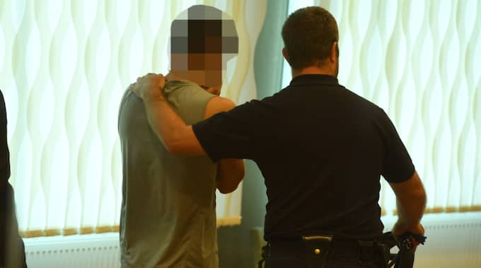 Den 19-årige pojkvännen har erkänt mordet på kvinnans pappa. Foto: Sven Lindwall
