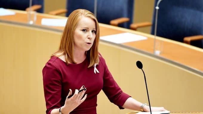 Annie Lööf menar att deadline för regeringsbildningen är först efter valet. Foto: HENRIK MONTGOMERY/TT / TT NYHETSBYRÅN