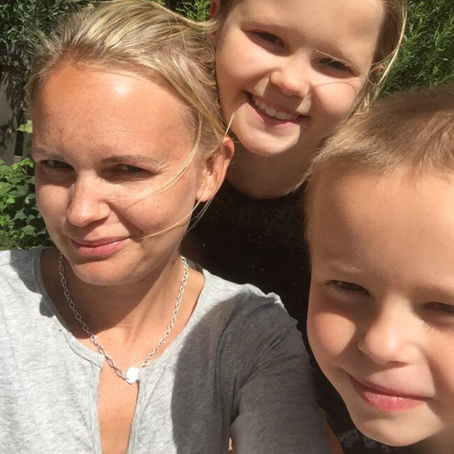 <span>Linda med barnen Ines och Max.</span>