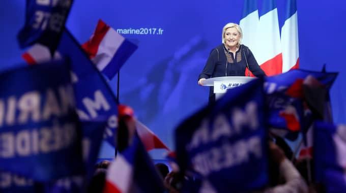 högerpopulistiska Marine Le Pen ligger på andraplats. Foto: Mathieu Cugnot / Epa / Tt / EPA TT NYHETSBYRÅN