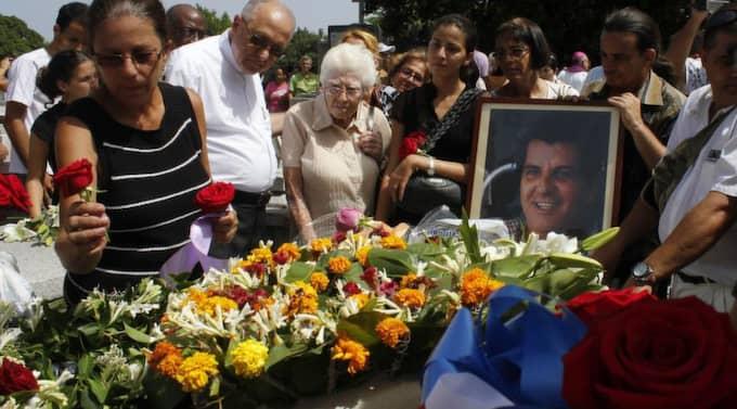 Regimkritikern Oswaldo Payá dödades i en bilolycka. I bilen fanns också KDU-ordföranden Aron Modig som skadades lindrigt.
