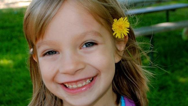"""Strax innan jul drabbades Ciara, 9, av svår huvudvärk. Det visade sig vara en allvarlig hjärntumör. För att istället fokusera på något positiv har Ciara tillsammans med sin familj skrivit en """"bucket list""""."""