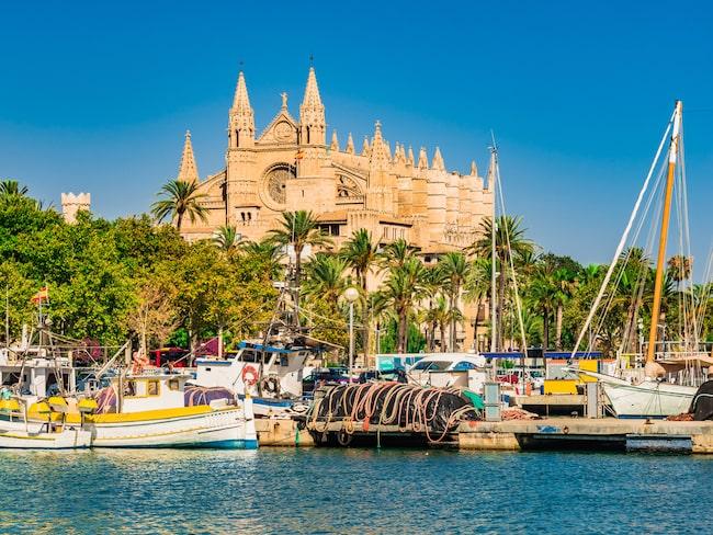Ifjol infördes en turistskatt på Mallorca, Ibiza och Menorca – trots vilda protester från turist- och hotellbranschen.