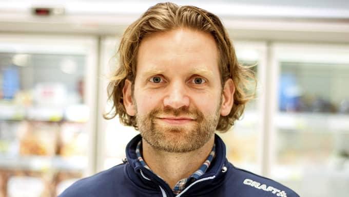 Erik Ahlskog är handlare på Ica Kvantum i Höganäs. Foto: Li Fernstedt