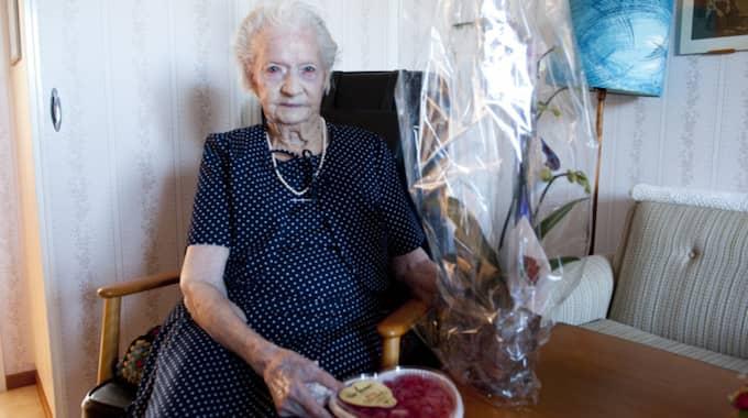 Mildred Andersson 104 gillar geléhallon och korsord. Foto: Anna Karolina Persson