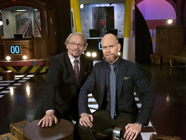"""Fredrik Lindström och Kristian Luuk leder succéprogrammet """"På spåret"""" i SVT."""