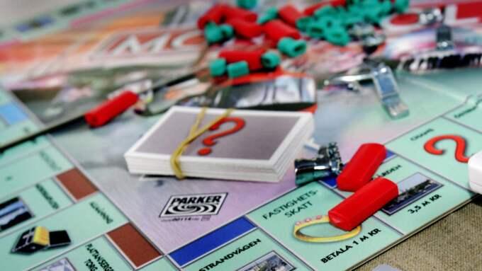 Det är framförallt klassiska brädspel som Monopol och Tjuv och Polis som går åt i affärerna. Foto: Daniel Sidenbladh