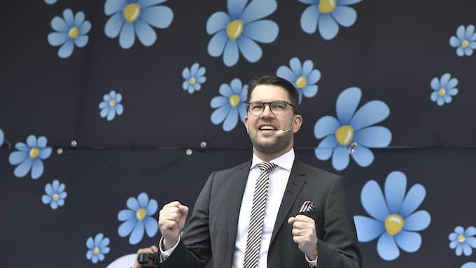 Jimmie Åkessons Sverigedemokraterna växer kraftigt bland personer med utländsk bakgrund. Svaret från de andra partierna måste bli att bekämpa samhällsproblemen. Foto: CLAUDIO BRESCIANI/TT / TT NYHETSBYRÅN