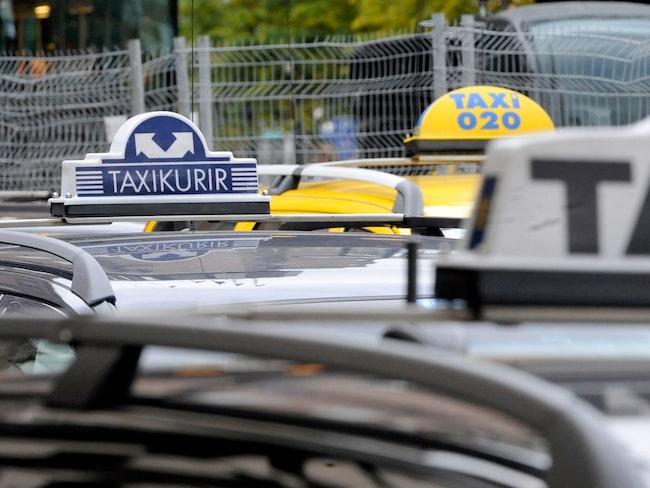 Enligt undersökningen bryter taxichaufförerna hastighetsbegränsningarna i tre av fyra fall.