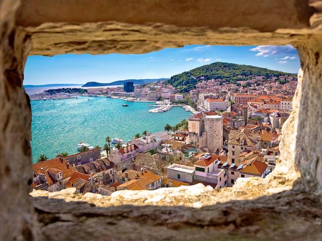 Kryssningen går mellan Split...