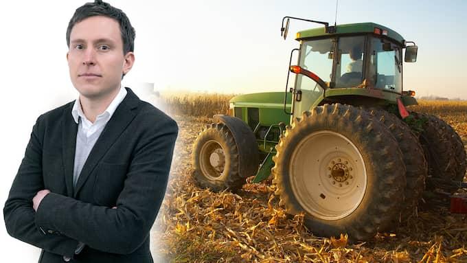 LRF:s lobbying har gjort det betydligt mer lönsamt att köra traktorer och skördetröskor på fossil diesel från Ryssland än på det miljövänliga drivmedel som bönderna själva producerar i Sverige, skriver Patrik Kronqvist