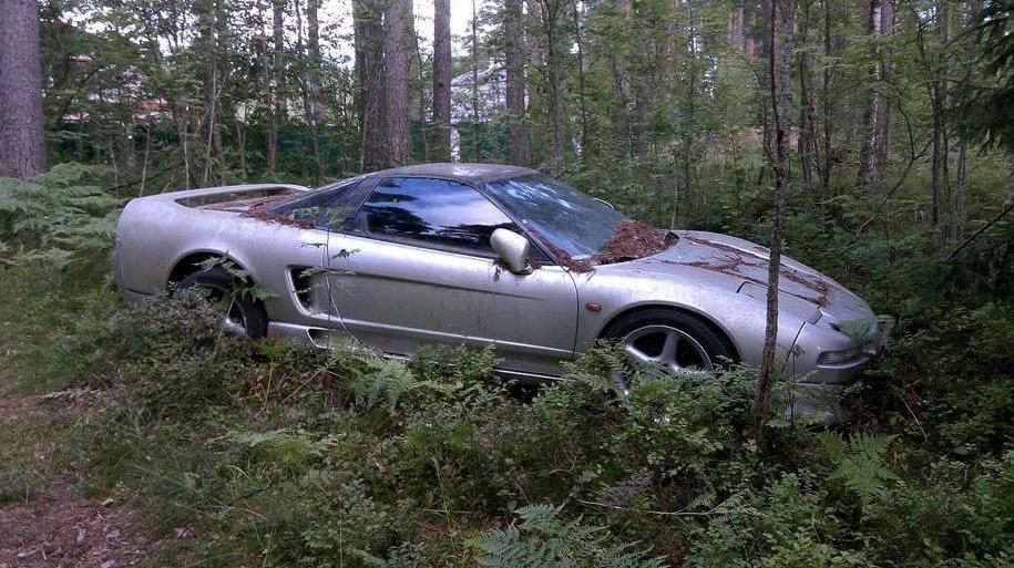 Ovanliga sportbilen hittad – stod gömd i rysk skog