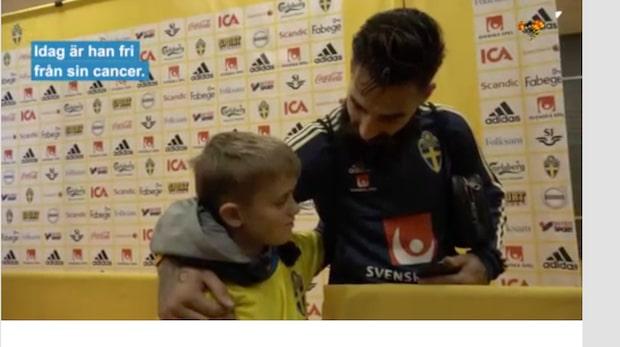 Här får Axel träffa sin idol Jimmy Durmaz