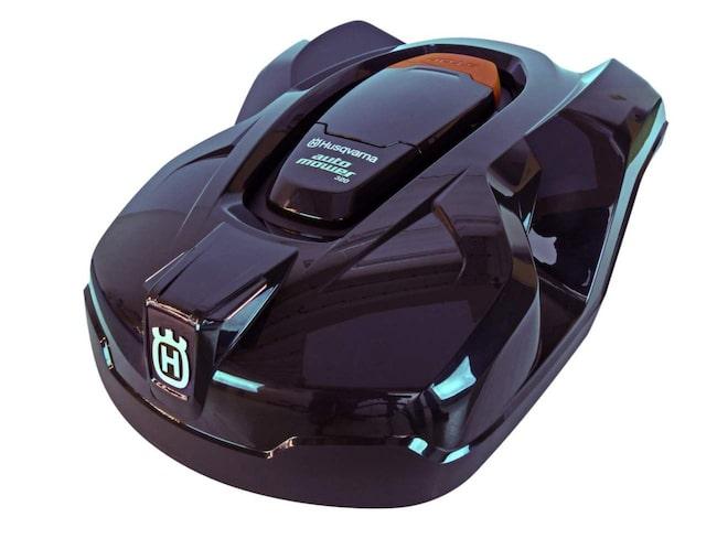 """<span>Här är robotgräsklipparen som blev <a href=""""http://www.expressen.se/leva-och-bo/tradgard/gras/stort-test-av-8-robotgrasklippare--se-vilken-som-ar-bast/"""">bäst i vårt test</a>. Det är en Automover 320 från Husqvarna som kostar 22 900 kroor.<br></span>"""