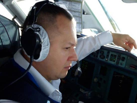 Piloterna fick panik när planet störtade nedåt. Här andrepiloten Sergei Gambaryan. Foto: Facebook