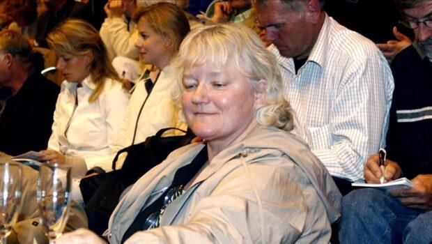 Efterlyst dansk svindlerska köpte miljongård i Sverige