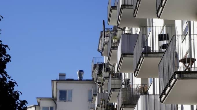 Bostadspriserna fortsätter att stiga. På tio år har genomsnittsbostaden blivit dubbelt så dyr. Foto: Hasse Holmberg/TT