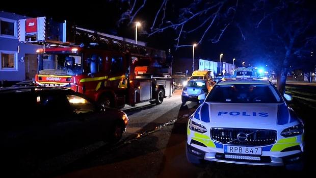 Elva evakuerade efter explosion i flerfamiljshus i Norrköping