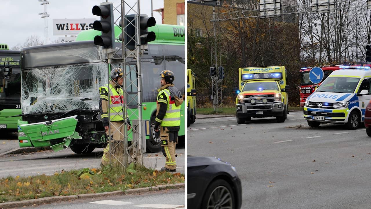 En lastbil och en linjebuss har krockat i Uppsala.