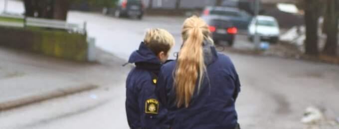 Polisen var snabbt på plats vid olyckan i Olofström. Foto: Peo Möller / Photomedia.Se