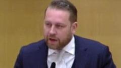 """Mattias Karlsson (SD): """"Att rösta för Löfven är som att anlita en dålig hantverkare"""""""