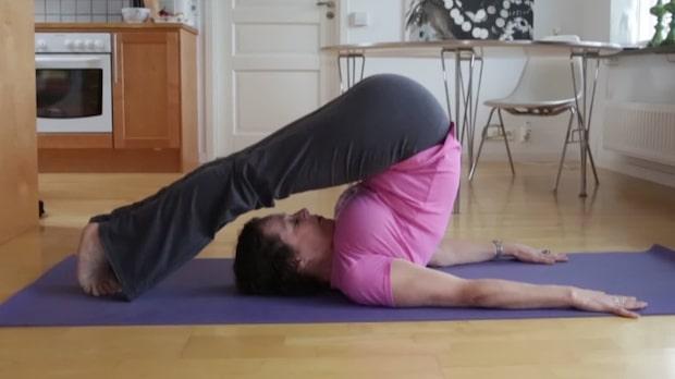 Yoga med Colette: Övning Plogen