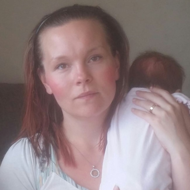 Lovis Wagman, 28, var så orolig för att tvingas åka mellan sjukhusen mitt under födsloarbetet att förlossningen fick sättas igång. Nu är Tora snart två månader.