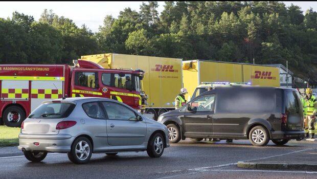 Bil och MC i olycka – en skadad