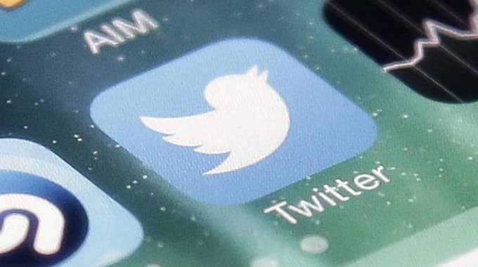 Många användare har problem att komma åt plattformen och kan inte publicera några inlägg, enligt Twitters supportkonto. Foto: Marcio Jose Sanchez / AP