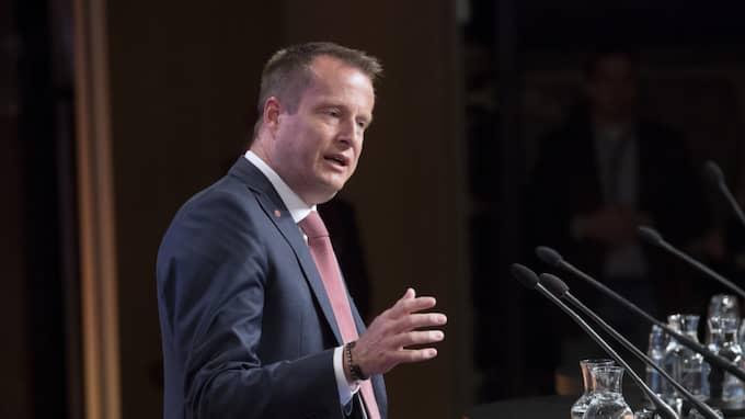 – Vi ska begränsa häktningar till max sex månader, säger inrikesminister Anders Ygeman till SVT. Foto: Sven Lindwall