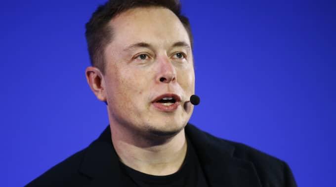 Elon Musk är vd på företaget Tesla Motors och vill satsa på solenergi. Foto: Francois Mori / AP