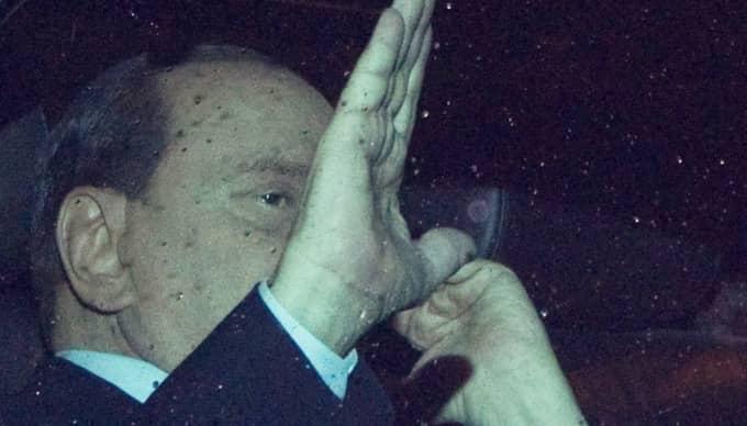 Börserna stiger efter Berlusconis besked om avgång. Foto: Andrew Medichini/AP