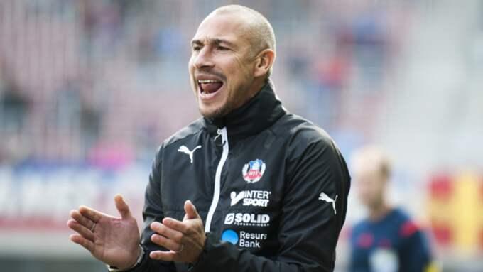 Henrik Larsson öppnar för anfallare i matchen mot Halmstad. Foto: Avdo Bilkanovic