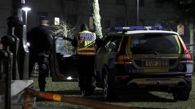 En man blev knivhuggen till döds i området Hässleholmen i Borås. Nu har tre unga män åtalats för mordet. Foto: ADAM IHSE/TT