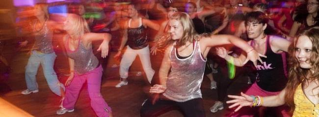 Det är så roligt att dansa zumba att man glömmer att det är träning.