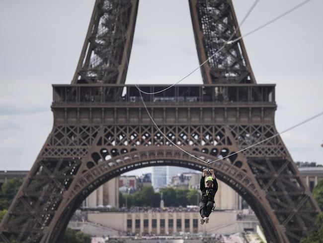 Linan är 115 meter lång och du kan nå upp i en hastighet på 90 kilometer i timmen.