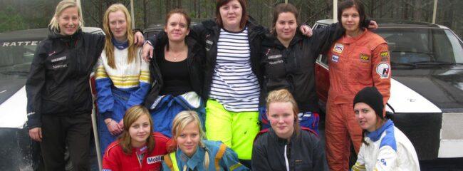Översta raden från vänster: Stina Nilsson, Emma Eriksson, Ida Bood, Johanna Berglund, Anna Persson, Johanna Persson,  Nedersta raden från vänster: Emma Westh, Linnéa Rahm, Elin Rindberg, Lisa Eriksson.