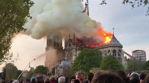 Storbrand i Notre-Dame – delar av byggnaden totalförstörd