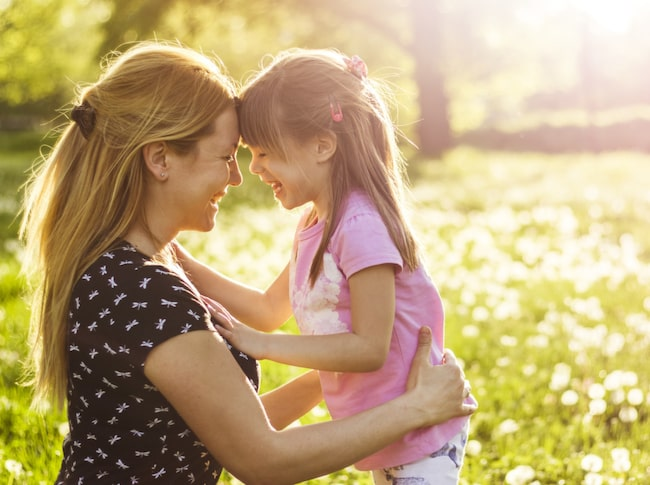 I Sverige firas mors dag den sista söndagen i maj, vilket är sent jämfört med andra länder.