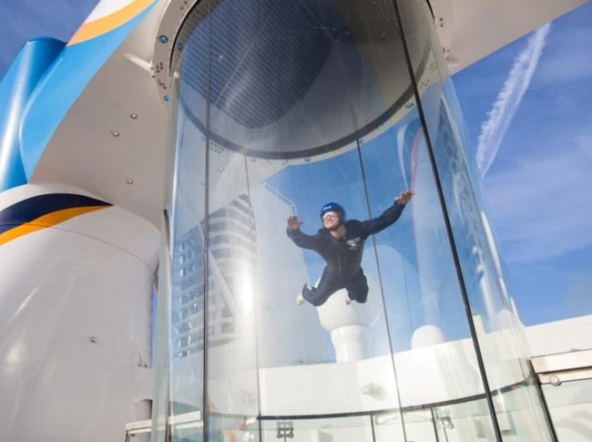 <span>Skydiving-simulatorn på Ovation of the seas.<span></span></span>