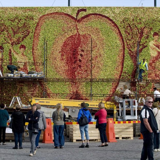 Unika äppeltavlan är ett 400-timmarsjobb